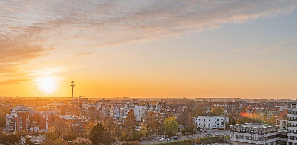Sonnendeck Ausblick über Cuxhaven Radarturm Sonnenaufgang