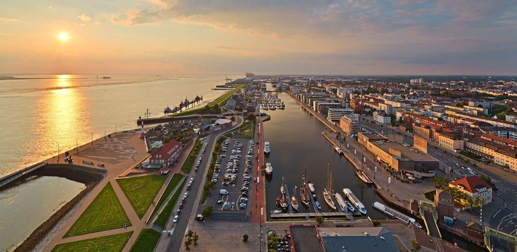 Aussicht auf Neuen Hafen vom Atlantic Hotel Sail City Havenwelten Bremerhaven